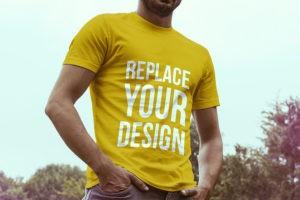 Мокап футболки на мужчине. t-shirt mockups