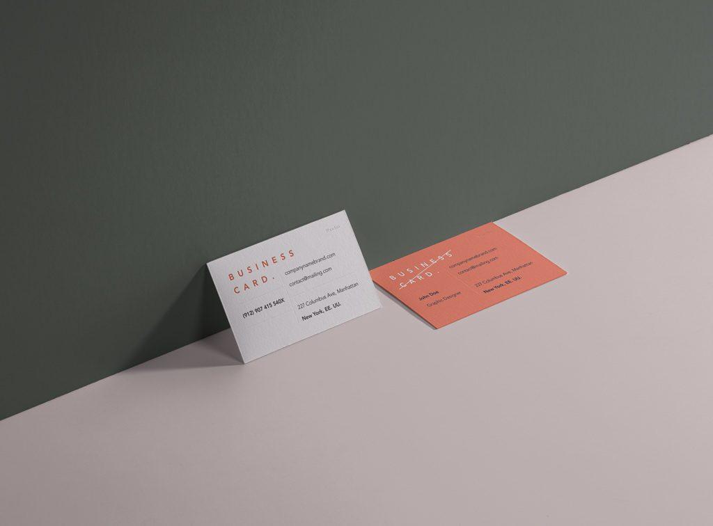 мокап визитных карточек. free business cards mockup wall psd