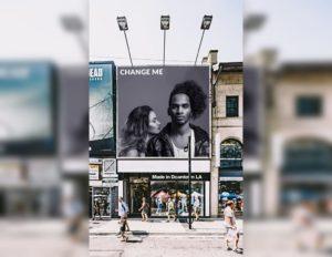 Мокап рекламного щита. downtown billboard mockup