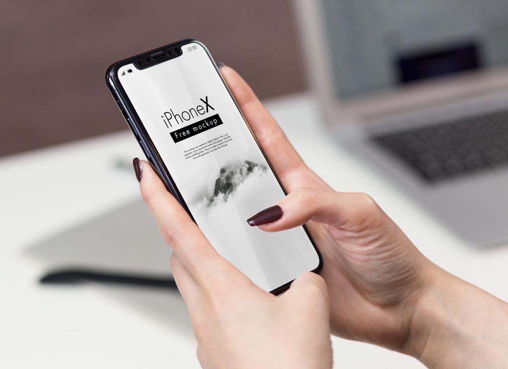 Мокап iPhone X в руках. iphone x in office mockup