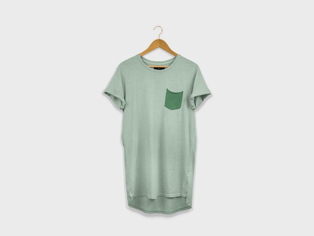 Мокап длинной футболки. t-shirt mockup