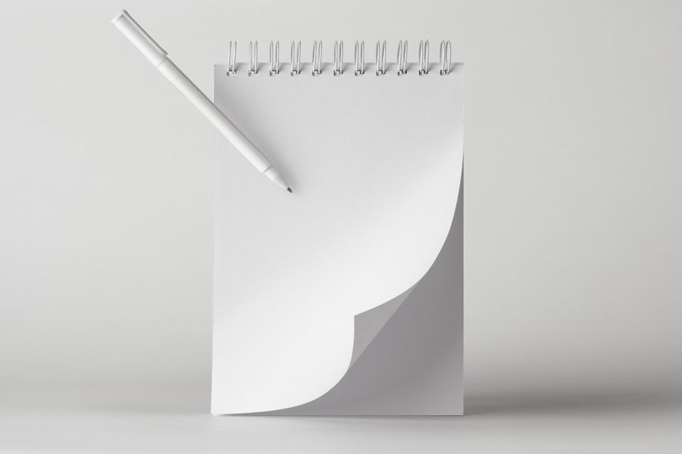 Мокап блокнота со спиралью. ringed notepad mockup