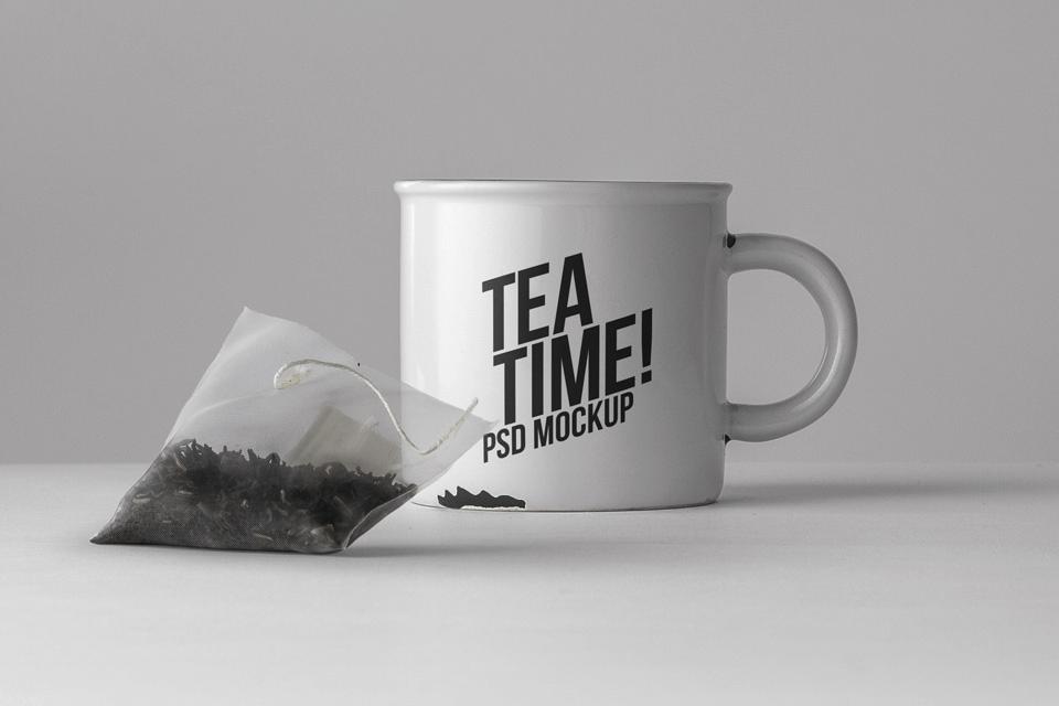 PSD мокап кружки и чайного пакетика. tea cup with tea bag mockup