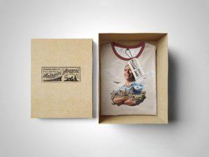 PSD мокап футболки. t-shirt box edition mockup