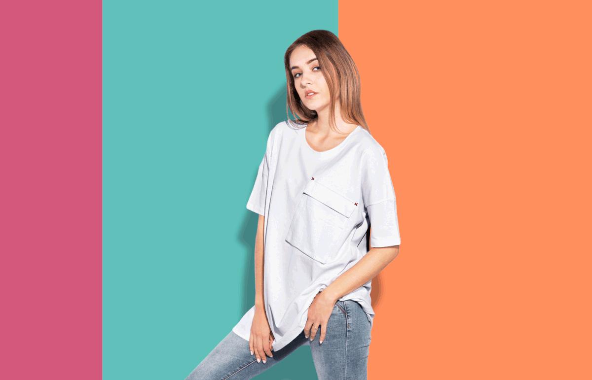 Мокап широкой футболки. women oversized t-shirt mockup