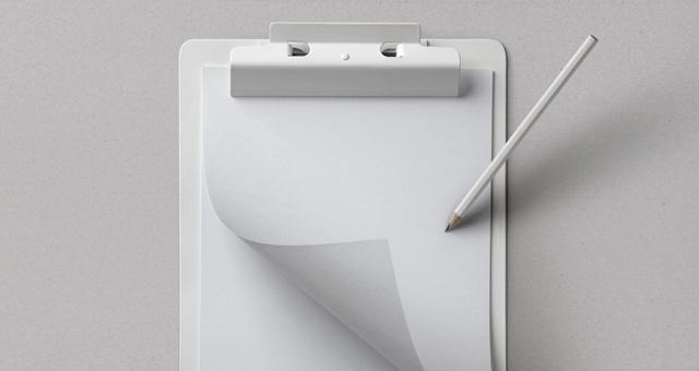 Мокап листов бумаги на планшете. mockup листа